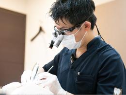 歯周病専門医である院長が治療